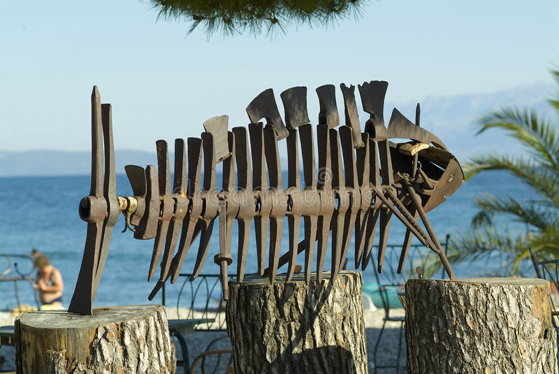 Exposição da instalação da arte na praia imagem de stock