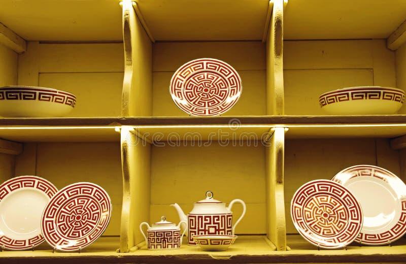 Exposição da loja da cerâmica imagens de stock royalty free