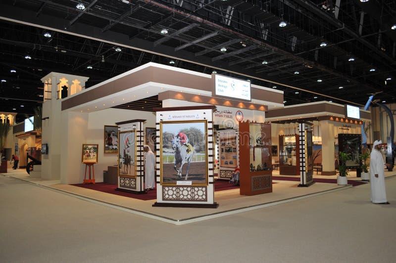 Exposição de Abu Dhabi International Hunting e do cavaleiro (ADIHEX) - clube da herança dos emirados fotos de stock