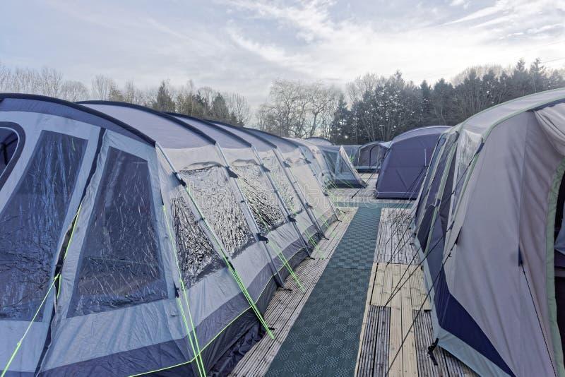 Exposição de acampamento das barracas foto de stock