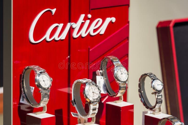 Exposição de Cartier Watches In Shop Window foto de stock royalty free