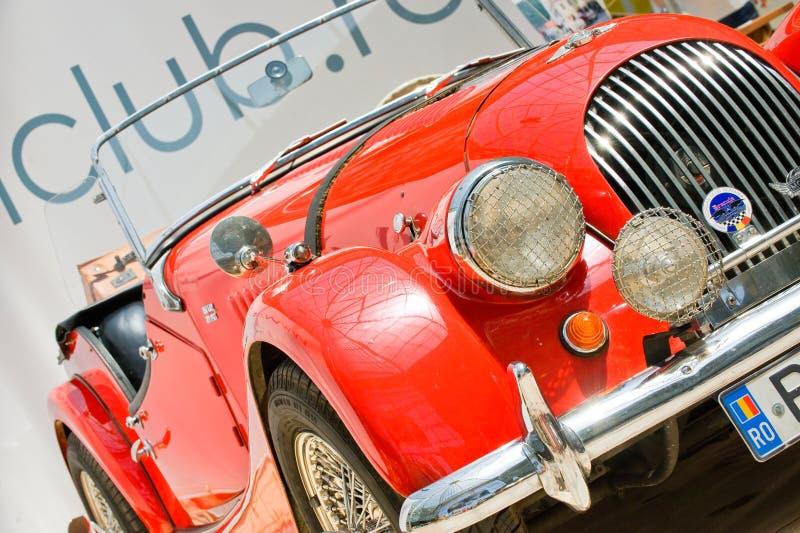 Exposição do carro na mostra de carro clássica de Bucareste fotos de stock