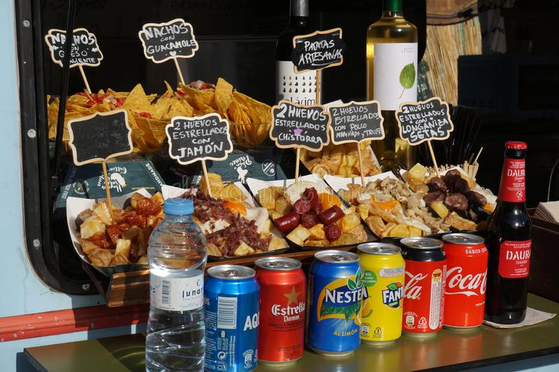 Exposição do fast food na Espanha de Barcelona imagens de stock royalty free