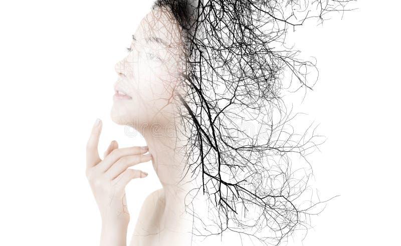Exposição dobro criativa da forma bonita do retrato da mulher isolada fotografia de stock