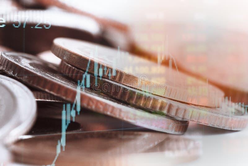 Exposição dobro da moeda e gráfico de financeiro para a estratégia de investimento imagem de stock royalty free