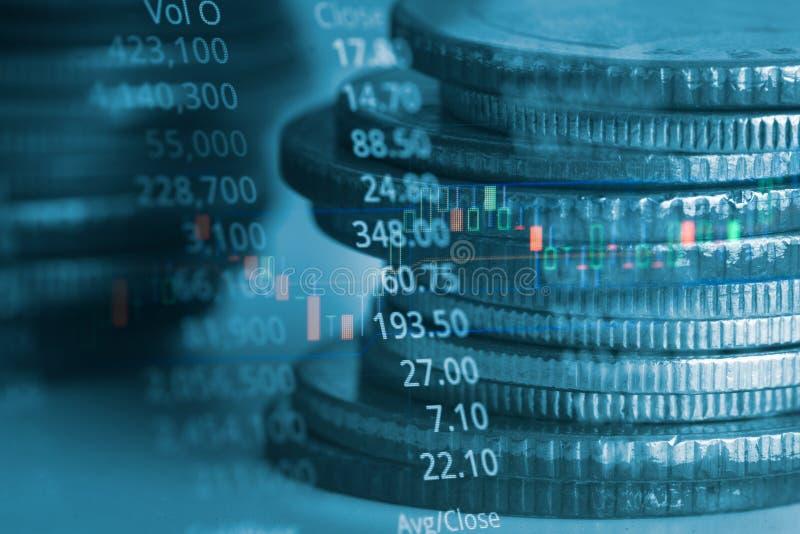 Exposição dobro da moeda e gráfico de financeiro para a estratégia de investimento foto de stock royalty free