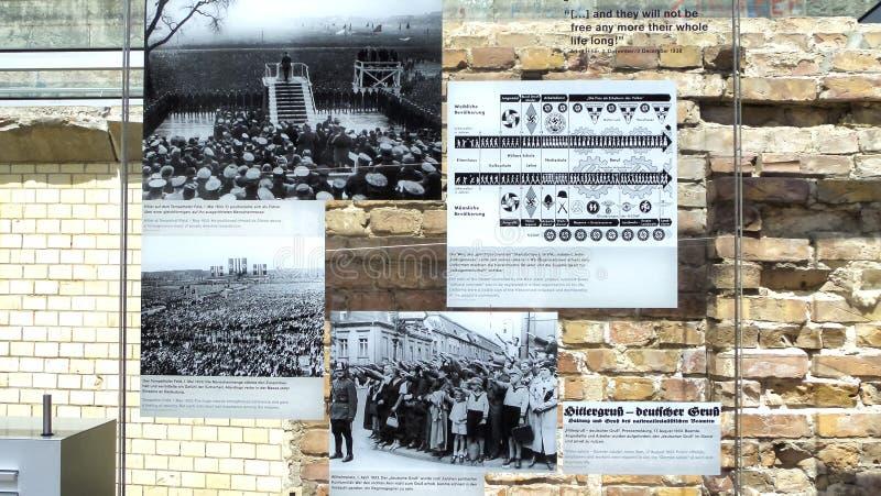 Exposição dos terrores do DES de Topographie - museu do holocausto e do Berlin Wall - 9 de junho de 2015 - Berlim, Alemanha fotos de stock royalty free