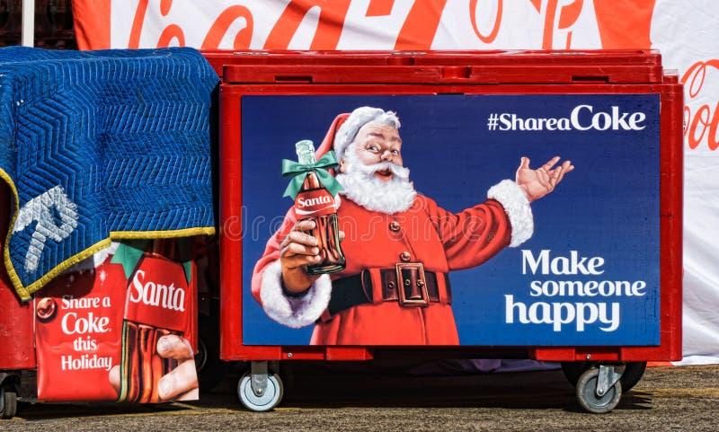 Exposição e Santa Claus do Natal de Coca-Cola imagem de stock royalty free