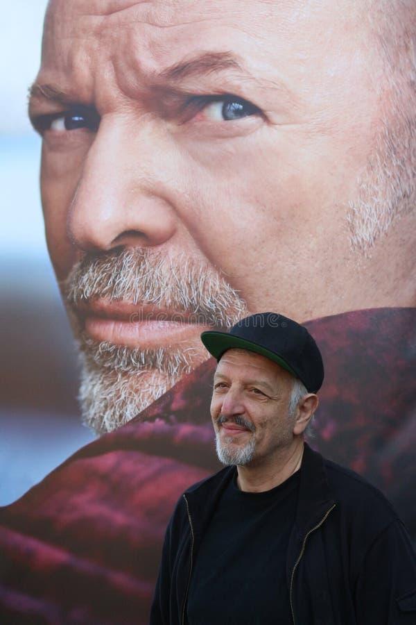 Exposição fotográfica na vida de Vasco Rossi, diretor das mostras Diego Spagnoli fotos de stock royalty free