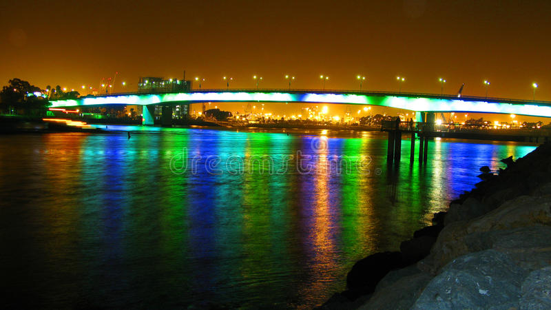 Exposição longa da ponte 30 do arco-íris segundo no aquário imagens de stock royalty free
