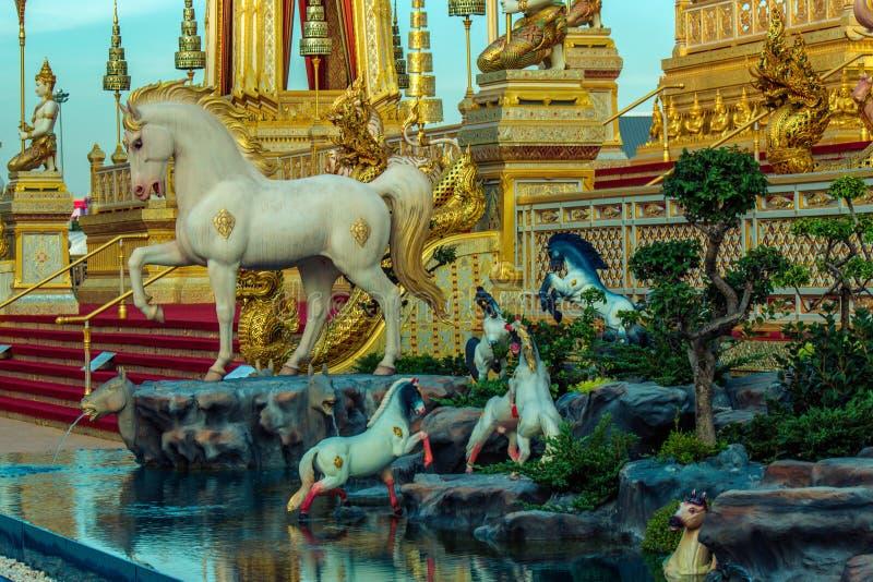 Exposição na cerimônia real da cremação de seu rei Bhumibol Adulyadej da majestade, terra cerimonial de Sanam Luang, Banguecoque, fotos de stock royalty free