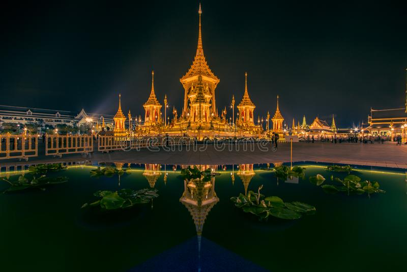 Exposição na cerimônia real da cremação, terra cerimonial de Sanam Luang, Banguecoque, Tailândia em November7,2017: Crematório re imagens de stock