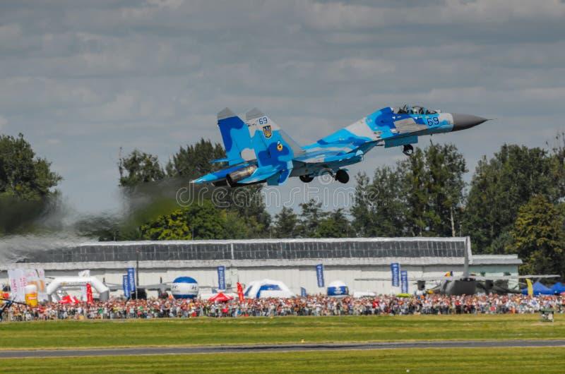 Exposição SU-27 ucraniana durante o festival aéreo 2013 de Radom imagem de stock
