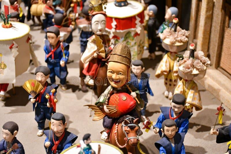 Exposição sutil da estatueta no museu dos povos de Hakata Machiya imagem de stock