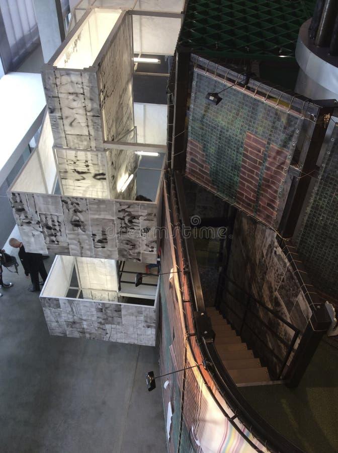 Exposición de David Adjaye del arquitecto en museo del garaje Parque de Gorkiy, Moscú fotografía de archivo