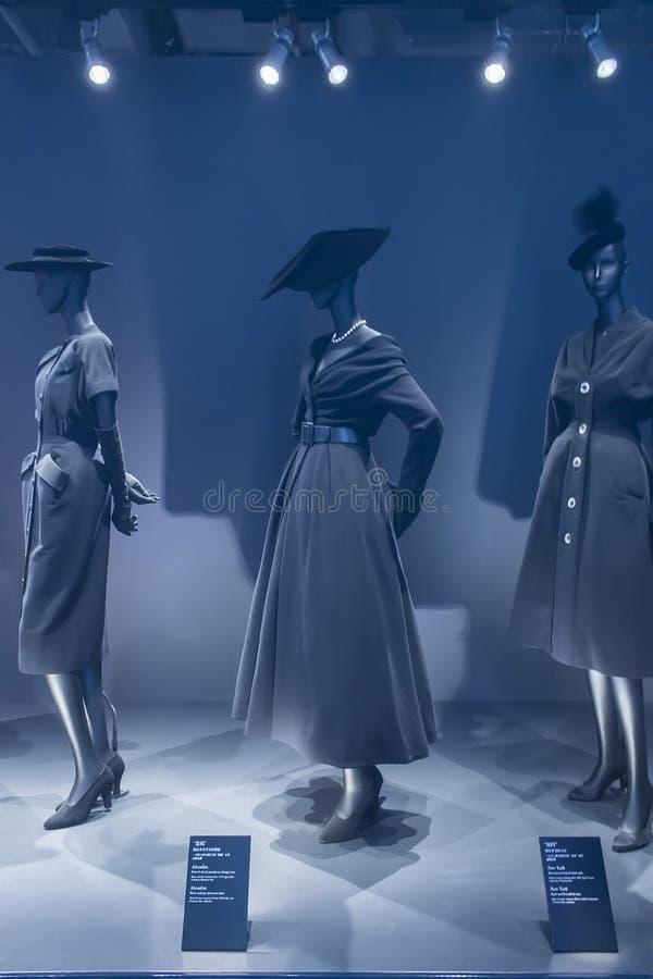 Exposición de Esprit Dior en el museo de Shangai del arte contemporáneo fotografía de archivo libre de regalías