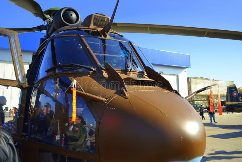 Exposición de los parásitos atmosféricos del puma de Eurocopter AS532 imagen de archivo libre de regalías