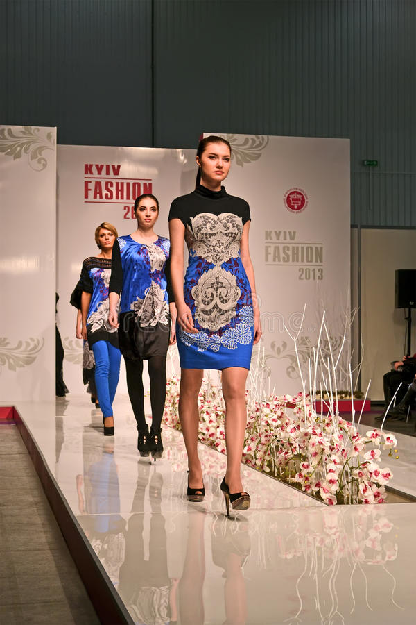 Exposición del International de la moda 2013 de Kyiv, fotografía de archivo libre de regalías