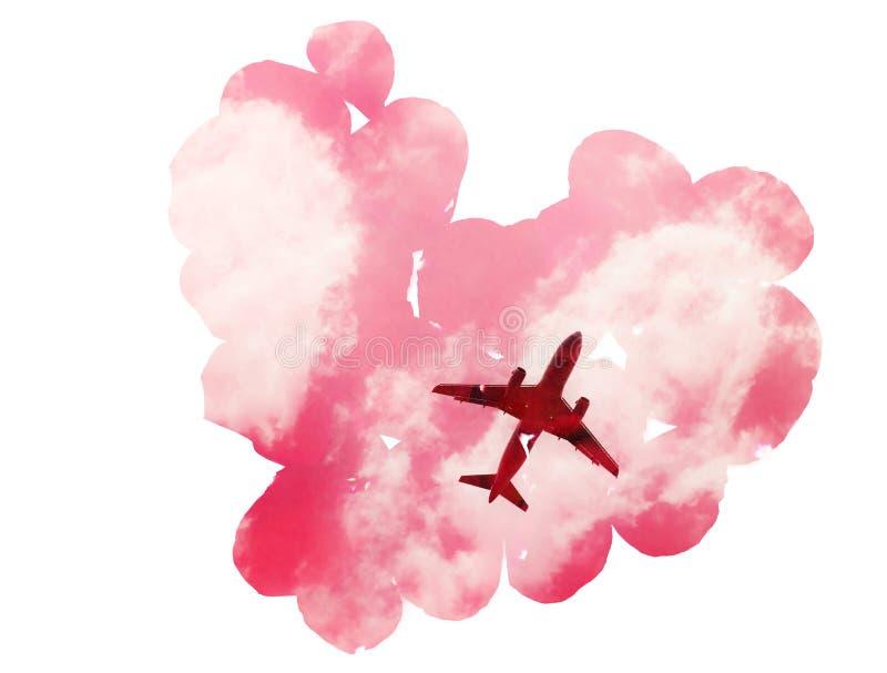 Exposición doble: acepille en el cielo con las nubes y los pétalos rosados en la forma de corazón fotografía de archivo