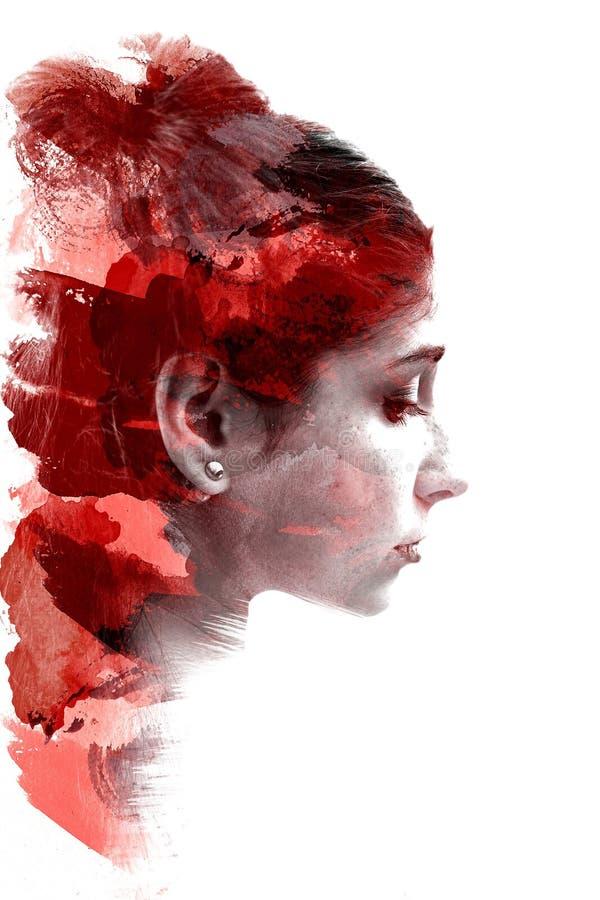 Exposición doble de una muchacha hermosa joven Retrato pintado de una cara femenina Imagen multicolora aislada en el fondo blanco stock de ilustración