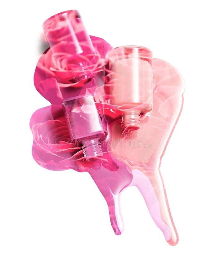 Exposición doble: Esmalte de uñas derramado y un fondo de rosas rojas imagen de archivo libre de regalías