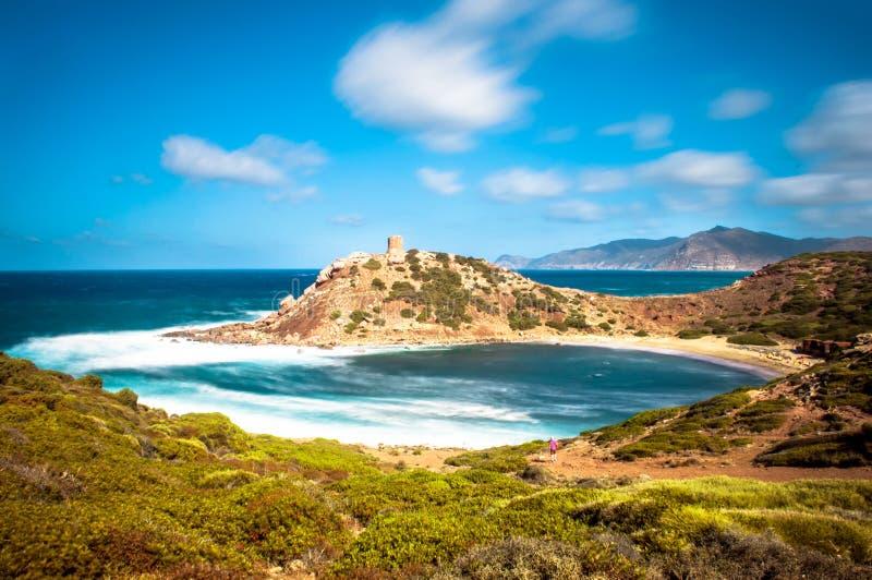 Exposición larga de la costa en un día ventoso imagen de archivo libre de regalías