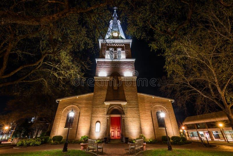 Exposición larga de la iglesia de St Anne en la noche en el maryl de annapolis imágenes de archivo libres de regalías