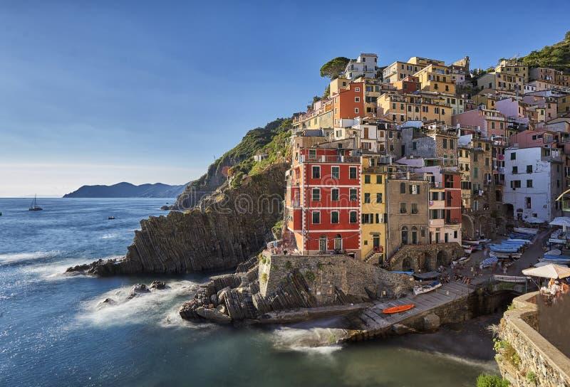 Exposición larga de Riomaggiore, Cinque Terre, Italia imagen de archivo libre de regalías