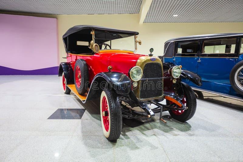 Exposición retra de los coches, aeropuerto de Domodedovo imagen de archivo