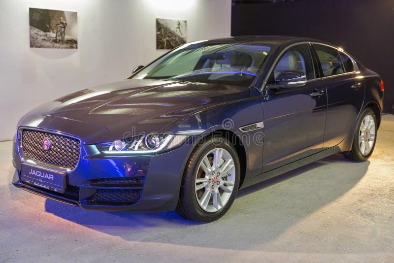 Exposition avec Jaguar XE à Kiev, Ukraine photos libres de droits