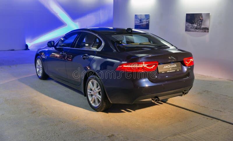 Exposition avec Jaguar XE à Kiev, Ukraine photos stock