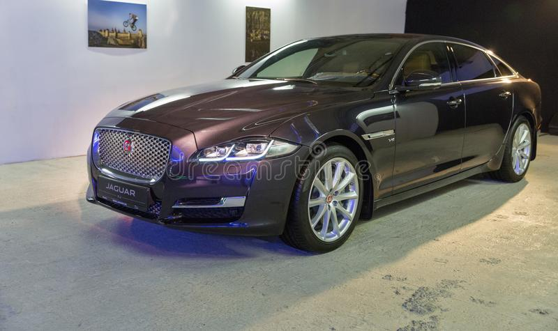 Exposition avec Jaguar XJ à Kiev, Ukraine photos libres de droits