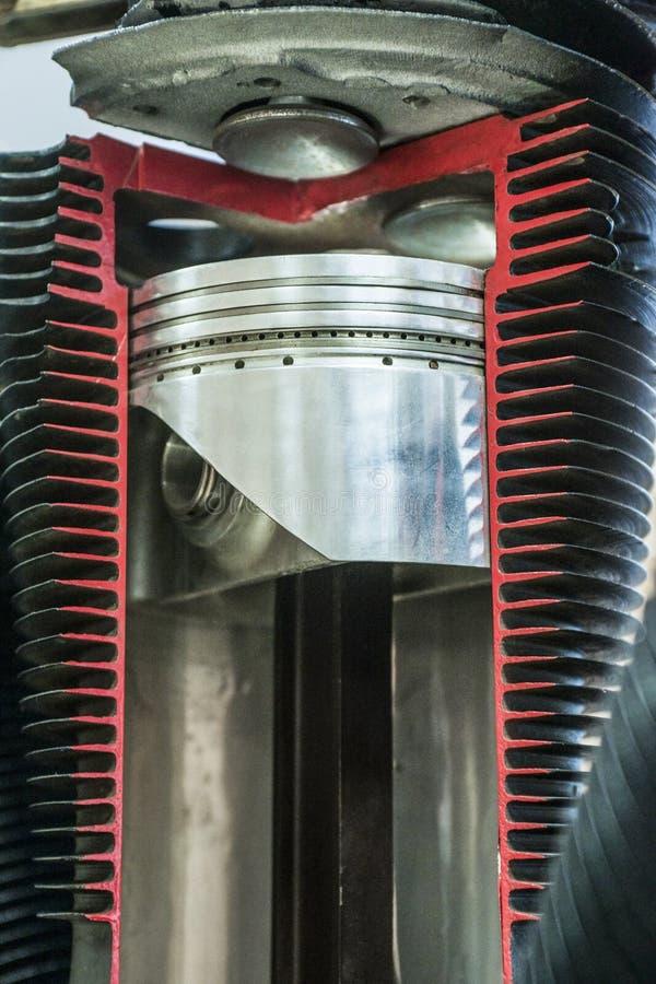 Exposition détaillée du piston dans le cylindre image libre de droits