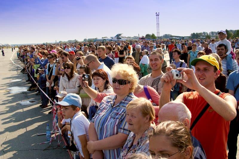 Exposition d'aviation de spectateurs de foule photographie stock libre de droits