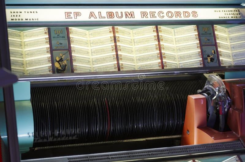 Exposition de collection de tourne-disque de musique de Seeburg de cru de juke-box rétro photographie stock
