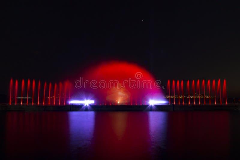 Exposition de laser dans Maltepe, Turquie Scène, le feu image stock