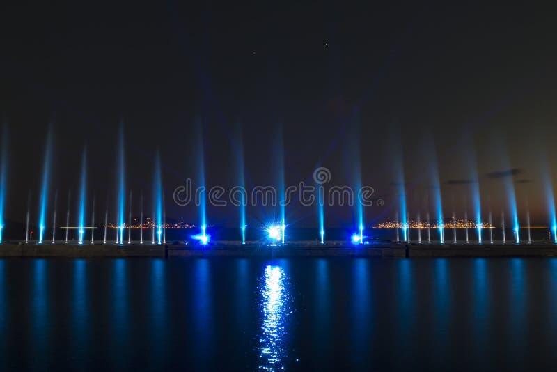 Exposition de laser dans Maltepe, Turquie Scène, le feu photographie stock libre de droits