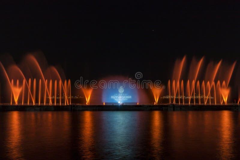 Exposition de laser dans Maltepe, Turquie Scène, le feu photo libre de droits