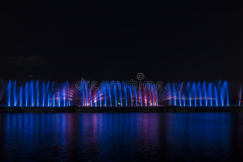Exposition de laser dans Maltepe, Turquie Scène, le feu photographie stock
