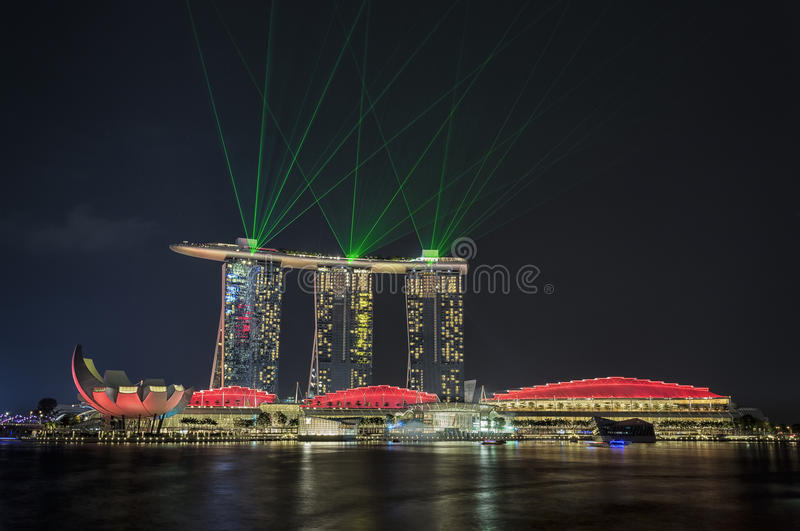 Exposition de laser de Singapour photographie stock