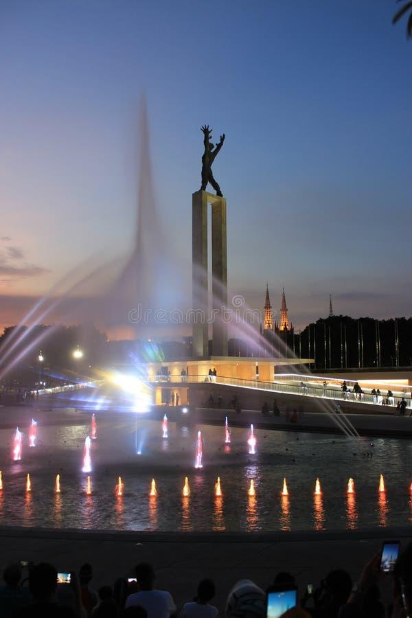 Exposition de laser en monument occidental de l'indépendance de la Papouasie à Jakarta, Indonésie photo libre de droits