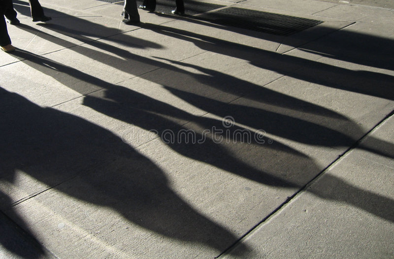 Exposition de lumière d'ombres de gens de rue de New York photo stock
