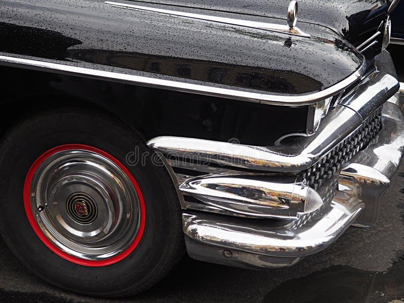 Exposition de r?tros voitures sur les rues de la ville images libres de droits