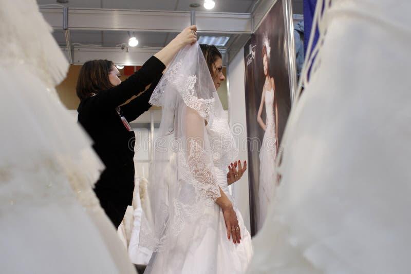Exposition de robes de mariage image libre de droits