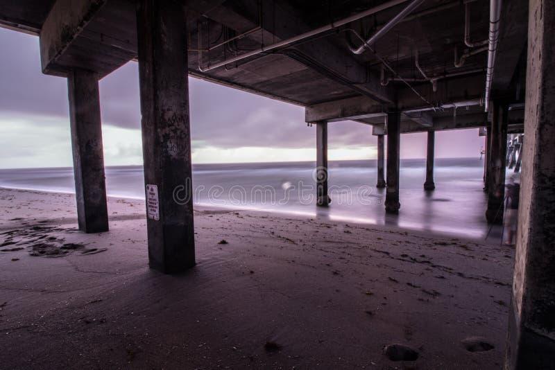Exposition de tempête de lever de soleil de Dania Beach longue sous Dania Pier photographie stock libre de droits