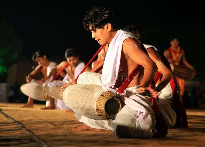 Exposition indienne tribale de danse images stock