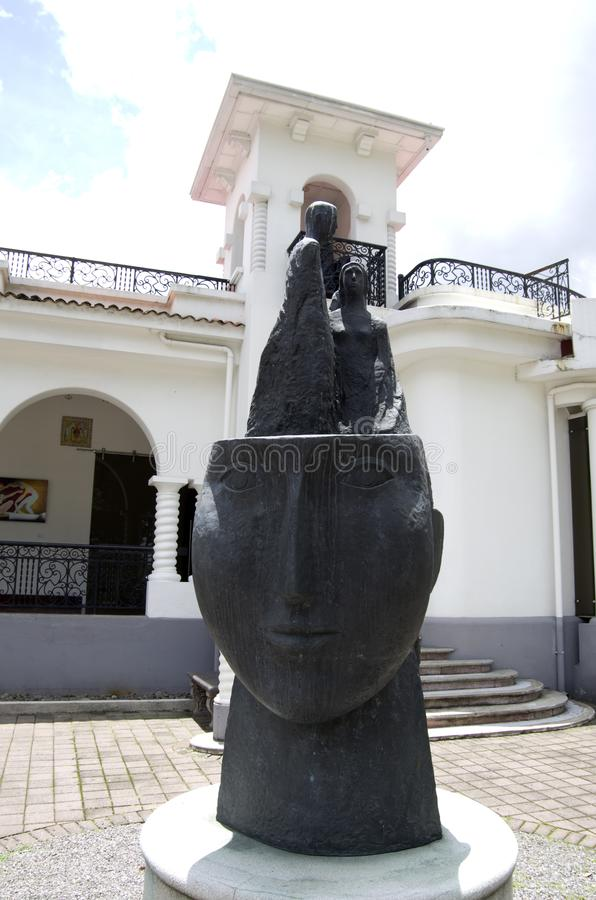 Expositions extérieures d'Art Museum de Costarican photographie stock