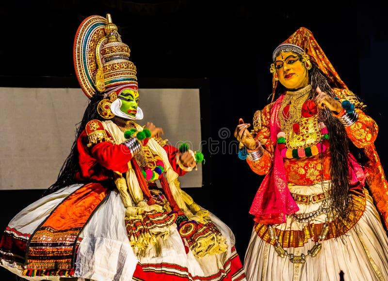 Expresión clásica de la danza clásica de Kathakali Kerala imagenes de archivo