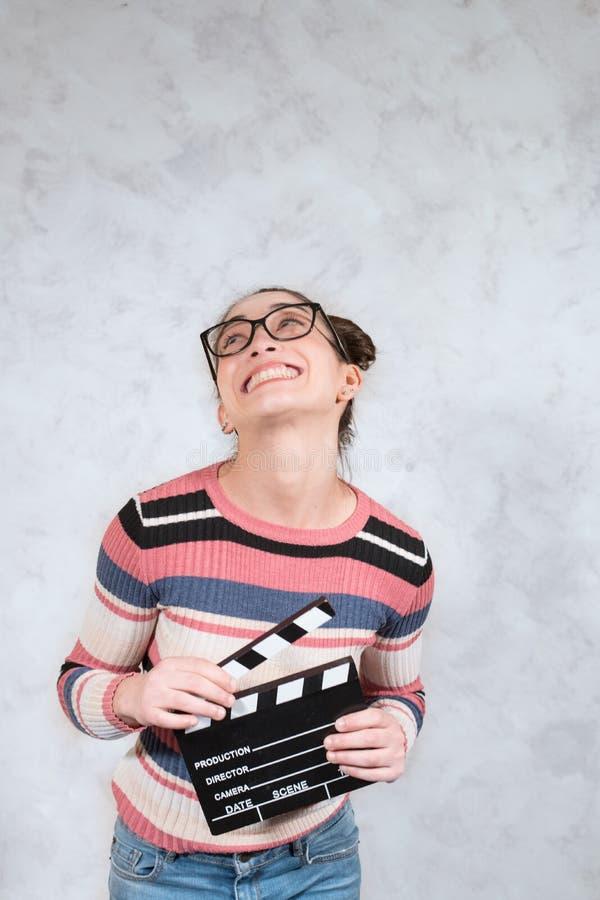 Expresión divertida de la cara de la mujer de la mueca de la película de la comedia fotos de archivo