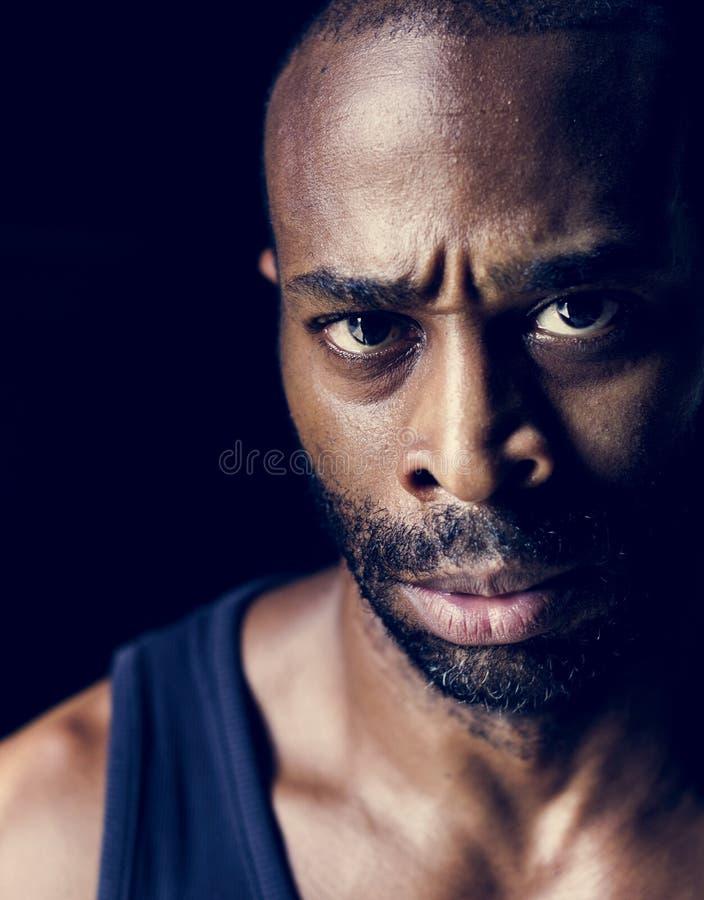 Expressão facial do homem africano furioso foto de stock royalty free